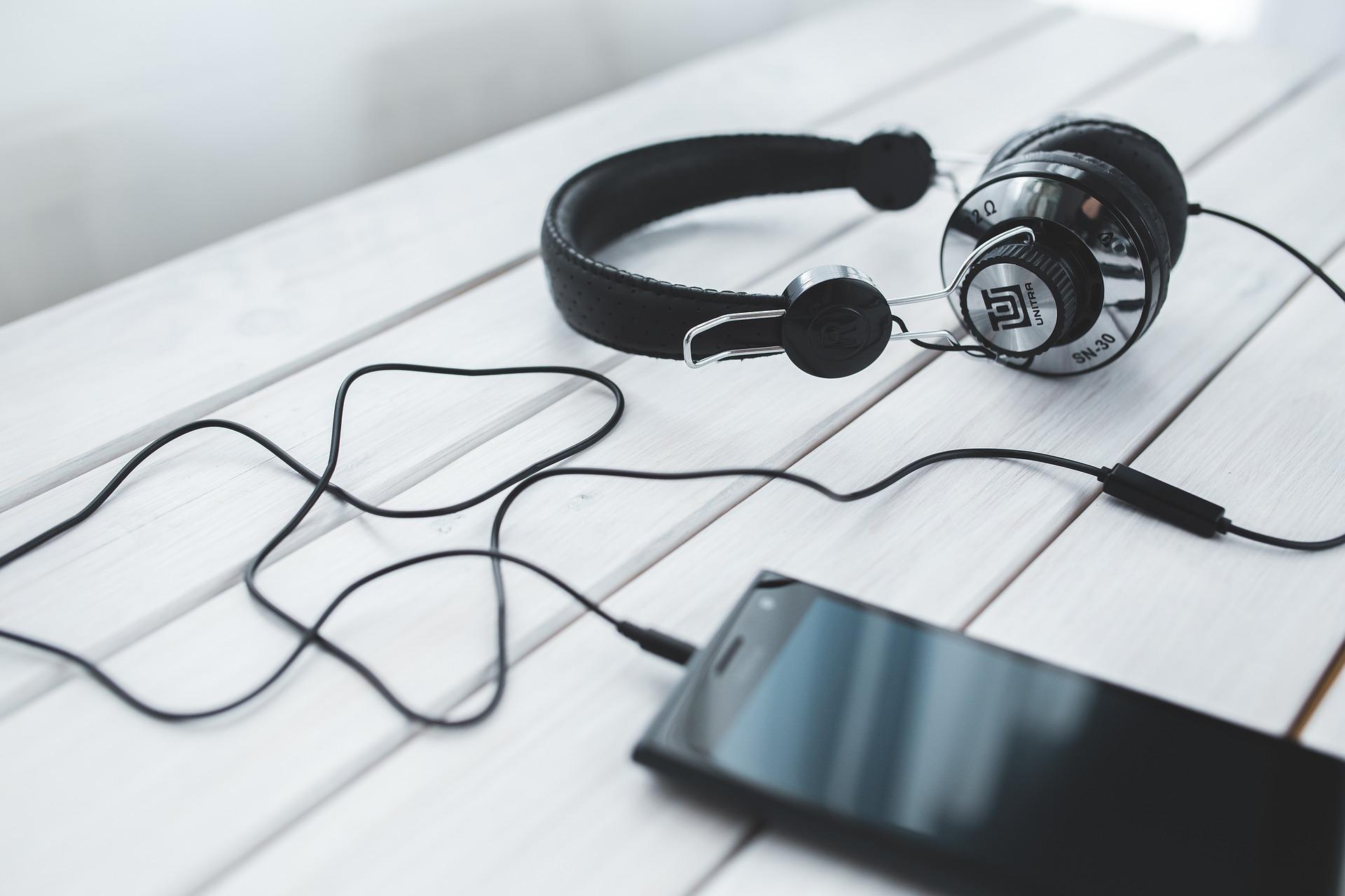 Poslech hudby smartphone
