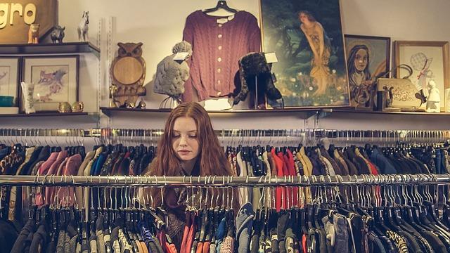 žena v obchodě