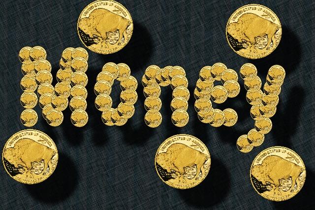 """zlaté mince, nápis """"money"""""""
